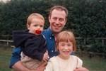 Bố đột tử không rõ nguyên nhân, con gái quyết tìm cho ra nguyên do nhưng 14 năm sau 'thủ phạm' lộ diện khiến bản thân cô cũng run rẩy