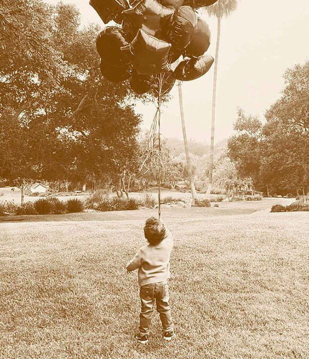 Vào dịp sinh nhật con trai, Meghan Markle bị bố chồng tỏ rõ thái độ căng thẳng qua động thái vô cùng thâm sâu?-1