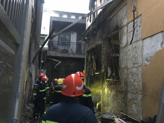 Vụ cháy thương tâm làm 8 người tử vong: Mấy cháu nhỏ trong nhà chiều nay đón cô giáo đến dạy kèm thì gặp nạn-7