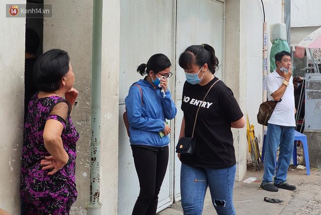 Người thân ngã quỵ, chờ đợi đón nhận 8 thi thể trong vụ cháy ở Sài Gòn: Thằng Đ. nó hẹn lên chơi ít bữa rồi về, vậy mà có về được nữa đâu-8