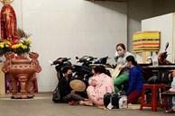 Người thân ngã quỵ, chờ đợi đón nhận 8 thi thể trong vụ cháy ở Sài Gòn: 'Thằng Đ. nó hẹn lên chơi ít bữa rồi về, vậy mà có về được nữa đâu'