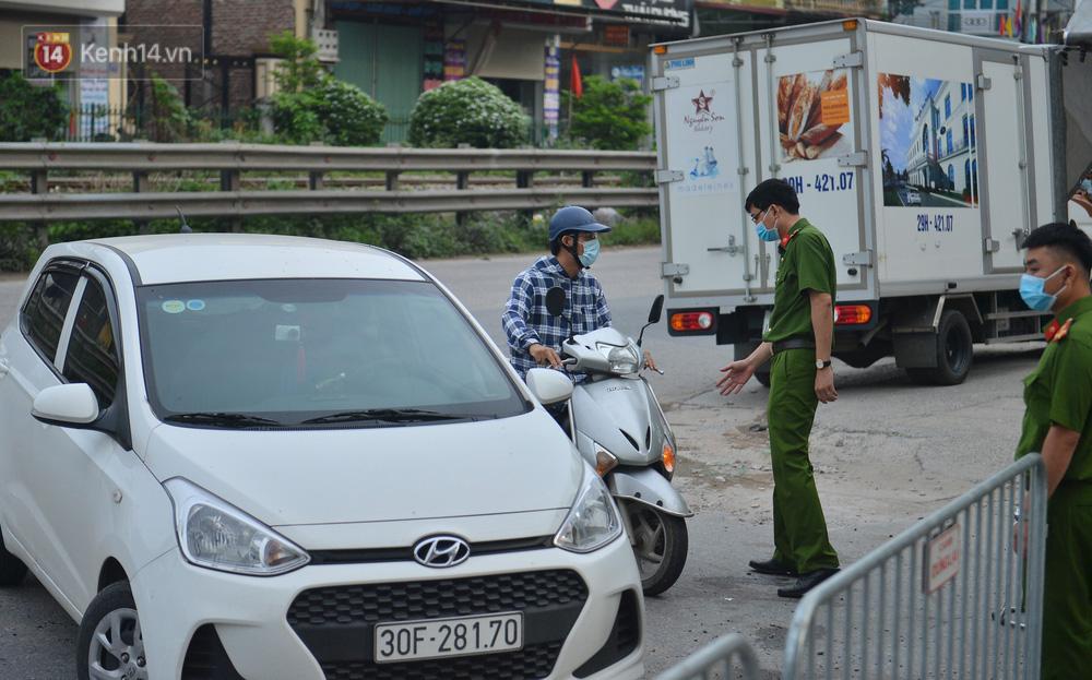 Hà Nội: Cận cảnh khu vực phong toả 6.000 dân ở Thường Tín, nhiều người đi làm ngỡ ngàng phải quay xe-8