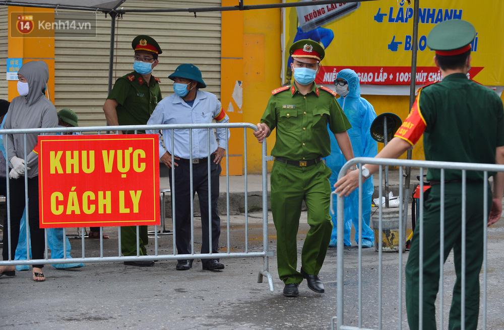 Hà Nội: Cận cảnh khu vực phong toả 6.000 dân ở Thường Tín, nhiều người đi làm ngỡ ngàng phải quay xe-1