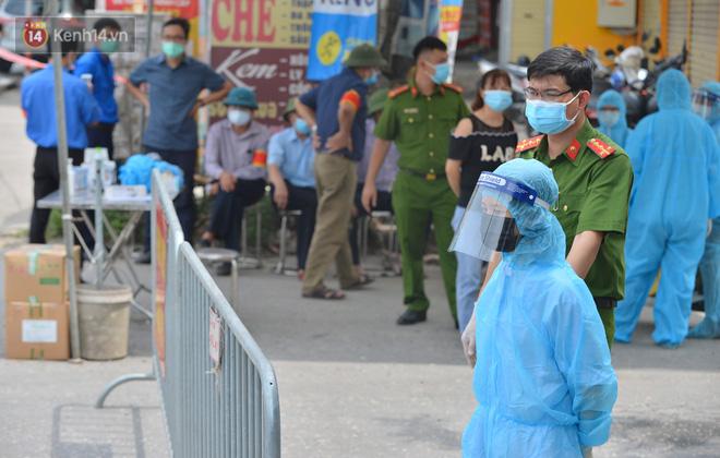 Hà Nội: Cận cảnh khu vực phong toả 6.000 dân ở Thường Tín, nhiều người đi làm ngỡ ngàng phải quay xe-3