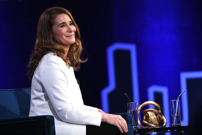 Thời điểm ly hôn của vợ chồng tỷ phú Bill Gates có liên quan đến con gái út, bà Melinda một bước lên tiên dù chỉ mới bắt đầu chia tài sản-1