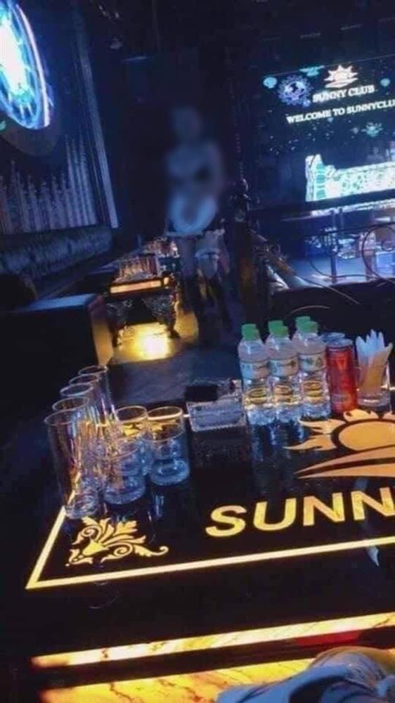 Loạt clip nhạy cảm được cho là bên trong quán bar Sunny, ổ dịch Covid-19 Vĩnh Phúc vừa bị tước giấy phép kinh doanh-2