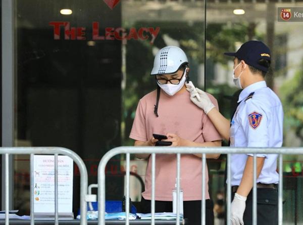 Hà Nội: Lập rào chắn, cách ly y tế tạm thời chung cư The Legacy sau ca dương tính với SARS-CoV-2-7