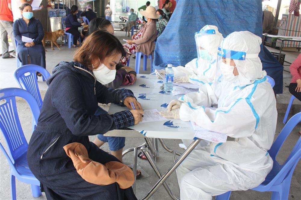 Cô gái đang mang thai dương tính SARS-CoV-2 ở Đà Nẵng dự 2 đám cưới, tiếp xúc rất nhiều người-2
