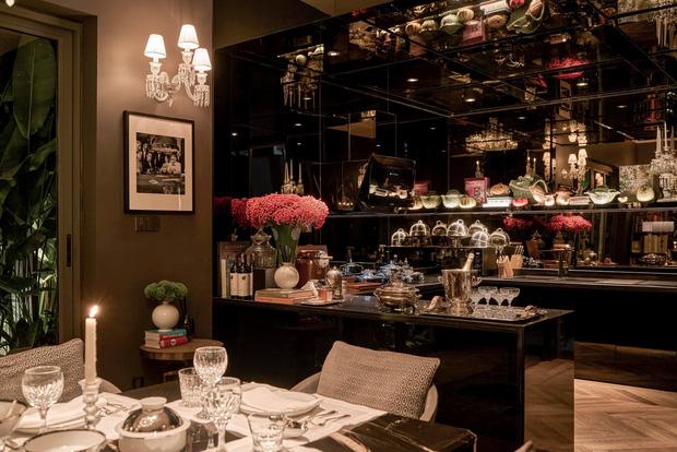 Biệt thự của Thái Công bị nhận xét là rối mắt, trông giống showroom đồ nội thất, không xứng với danh tiếng-5