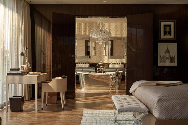 Biệt thự của Thái Công bị nhận xét là rối mắt, trông giống showroom đồ nội thất, không xứng với danh tiếng-6