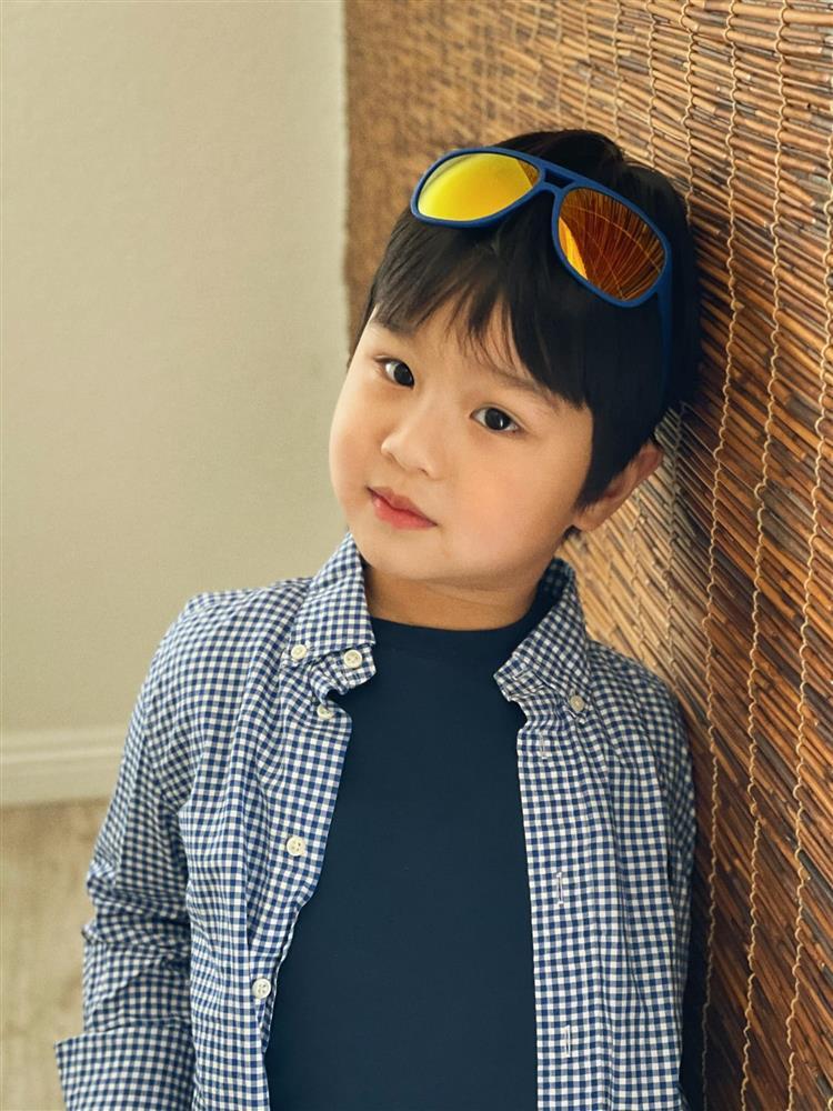 3 cặp song sinh rich kid đáng yêu nhất của các gia đình Việt, toàn nam thần nhí khiến team bỉm sữa thích mê-5