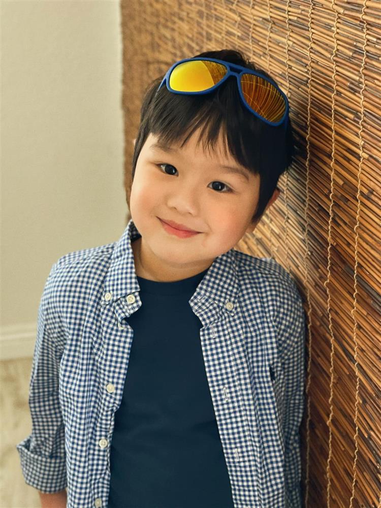 3 cặp song sinh rich kid đáng yêu nhất của các gia đình Việt, toàn nam thần nhí khiến team bỉm sữa thích mê-6
