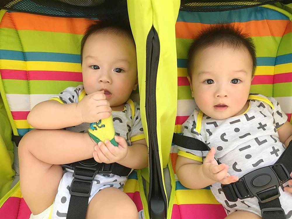 3 cặp song sinh rich kid đáng yêu nhất của các gia đình Việt, toàn nam thần nhí khiến team bỉm sữa thích mê-8
