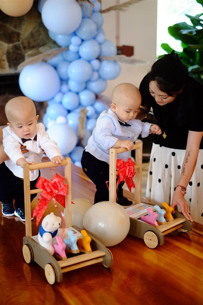 3 cặp song sinh rich kid đáng yêu nhất của các gia đình Việt, toàn nam thần nhí khiến team bỉm sữa thích mê-20
