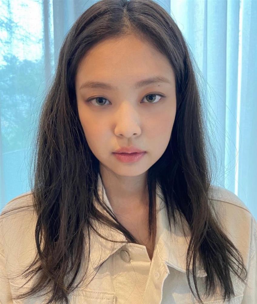 Hè nóng nực, chị em cắt tóc lửng lơ giống Jennie đi cho nhẹ đầu và trẻ xinh hẳn ra-10
