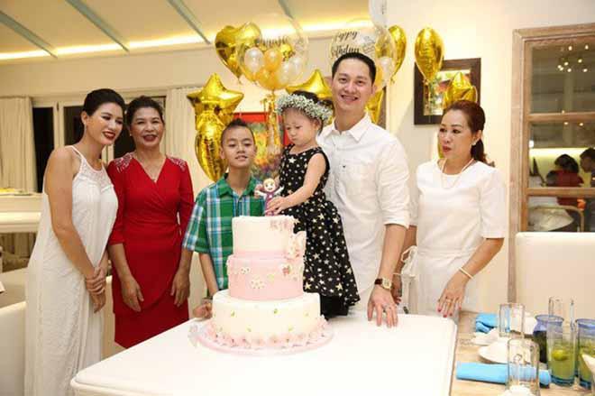 Danh tính chồng Việt kiều điềm đạm, ít khi lộ diện của Trang Trần-4