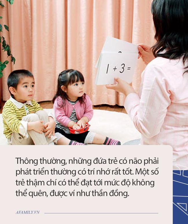 Muốn biết IQ của con mình có cao không, cha mẹ hãy quan sát 3 dấu hiệu của đứa trẻ có não phải phát triển dưới đây-2