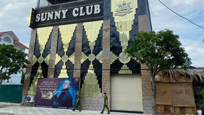 Giải ngố ở quán karaoke Sunny, chồng khổ sở vì bị vợ tra khảo-1