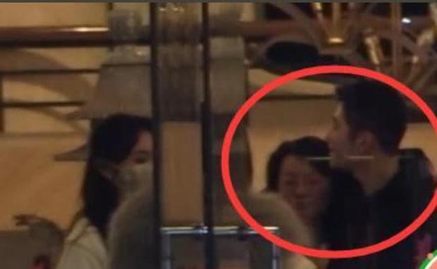 SỐC: Phùng Thiệu Phong tung clip ngoại tình của Triệu Lệ Dĩnh với đạo diễn 67 tuổi, nữ diễn viên khóc lóc xin lỗi?-4