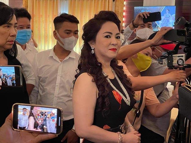 Vụ bà Phương Hằng, Nguyễn Văn Chung: Chị nhận đẹp, sang nhưng cái miệng cứ thốt ra lời cay độc, thô tục-1