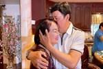 Nghệ sĩ Bảo Quốc sống giàu sang tại Mỹ: Tuổi 72 vẫn xin vợ 'cho anh hôn em 1 cái nhé'