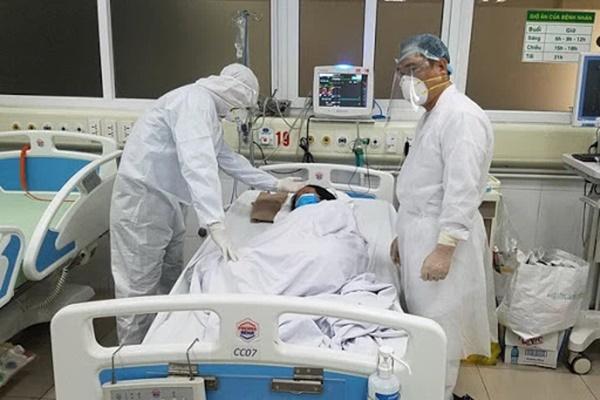 1 bệnh nhân Covid-19 phải chạy ECMO, 9 ca đang chuyển biến nặng, 26 ca tiên lượng nặng-2