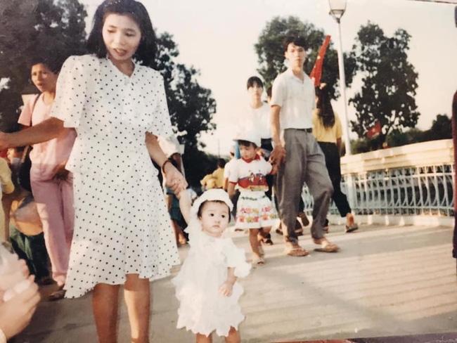Nhuệ Giang chia sẻ bức hình mừng Ngày của Mẹ, chi tiết nhỏ trong bài đăng cho thấy vợ tương lai của Xuân Trường sớm đã biết lấy lòng mẹ chồng-2