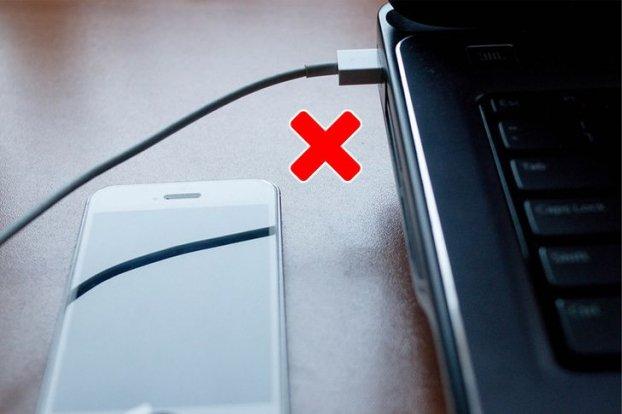 10 sai lầm nghiêm trọng khi sạc pin điện thoại bạn cần dừng ngay hôm nay-11