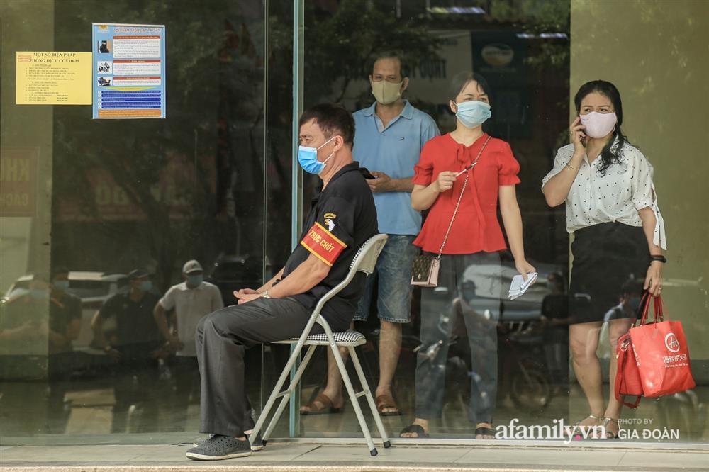 Phong tỏa tòa chung cư tại KĐT Đại Thanh có ca dương tính SARS-CoV-2 liên quan chùm ca bệnh tại Bệnh viện K cơ sở Tân Triều-6
