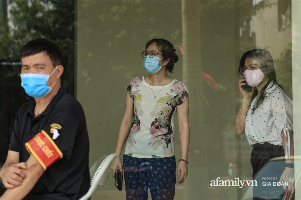 Phong tỏa tòa chung cư tại KĐT Đại Thanh có ca dương tính SARS-CoV-2 liên quan chùm ca bệnh tại Bệnh viện K cơ sở Tân Triều-11
