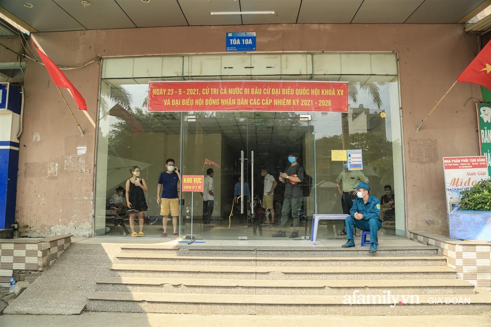 Phong tỏa tòa chung cư tại KĐT Đại Thanh có ca dương tính SARS-CoV-2 liên quan chùm ca bệnh tại Bệnh viện K cơ sở Tân Triều-14