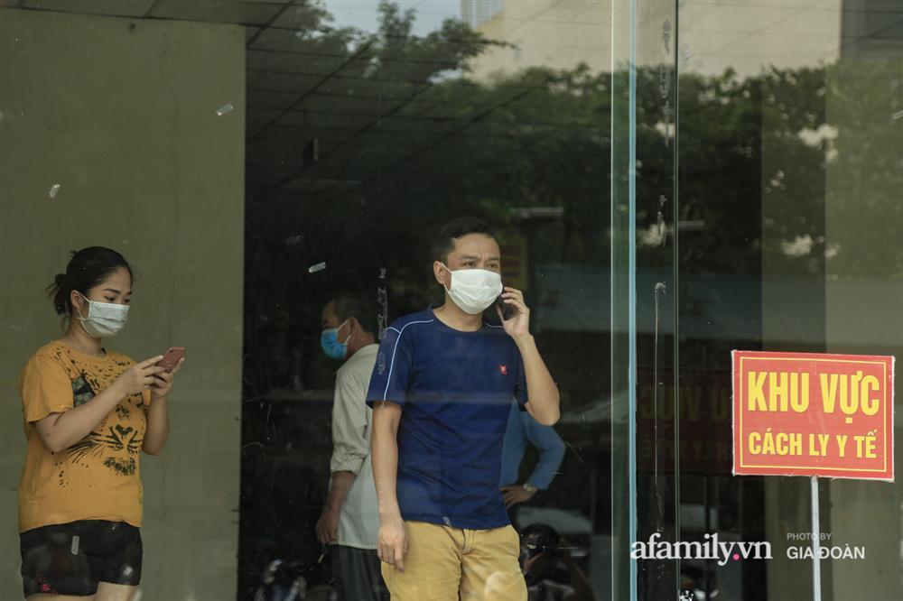Phong tỏa tòa chung cư tại KĐT Đại Thanh có ca dương tính SARS-CoV-2 liên quan chùm ca bệnh tại Bệnh viện K cơ sở Tân Triều-16