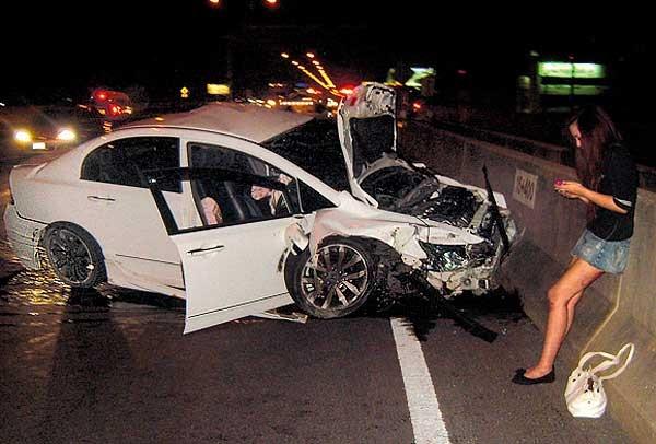 11 năm trước, tiểu thư Thái Lan gây tai nạn khiến 9 người chết vẫn thản nhiên bấm điện thoại tại hiện trường, diễn biến vụ án càng gây căm phẫn hơn-5