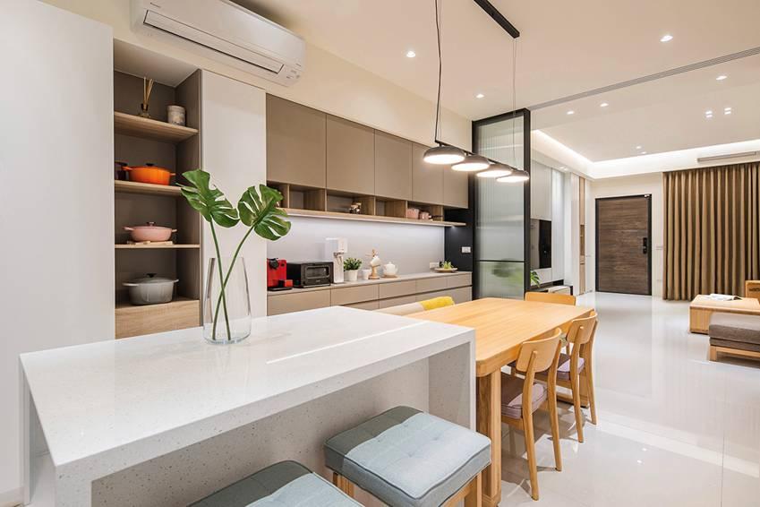 Ngôi nhà lấy ý tưởng thiết kế từ một cái cây lớn với 6 phòng ngủ đơn giản trang nhã, không gian dài, rộng và cao-4