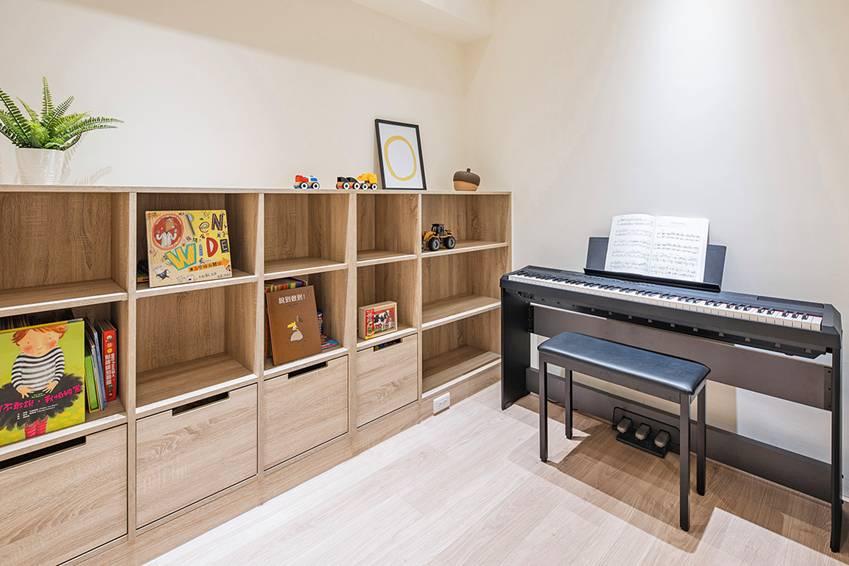 Ngôi nhà lấy ý tưởng thiết kế từ một cái cây lớn với 6 phòng ngủ đơn giản trang nhã, không gian dài, rộng và cao-15
