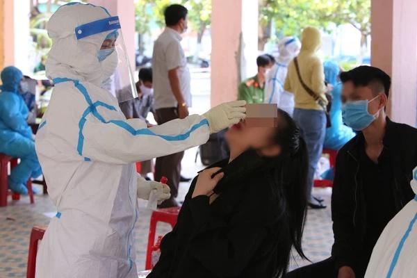 Cặp đôi dương tính SARS-CoV-2 ở Đà Nẵng từng về nhà tại TP.HCM, tập gym, uống trà sữa và đi ăn nhiều nơi-1