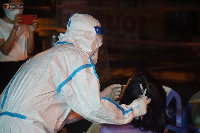 Đà Nẵng phát hiện hơn 30 ca dương tính SARS-CoV-2 mới: Phong tỏa khẩn cấp khu công nghiệp, xét nghiệm 700 người trong đêm-12