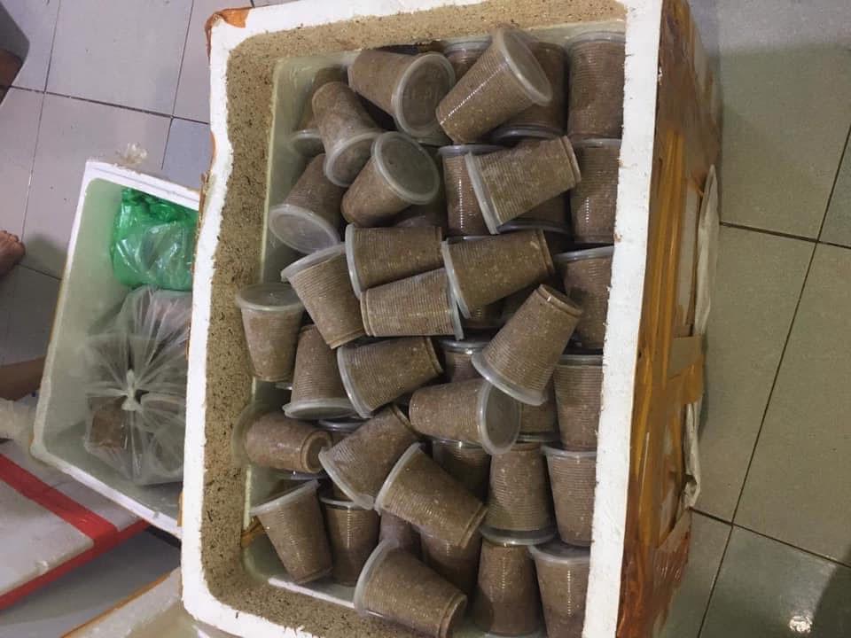 Cua đá, cua đồng xay sẵn đông lạnh bán la liệt, giá rẻ đáng sợ-2