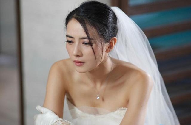 """Đi xem bói, bị thầy bói phán cô lấy chồng muộn"""", 3 ngày sau cô gái 19 tuổi quyết định lấy người đàn ông ở làng bên, kết quả gây bất ngờ-2"""