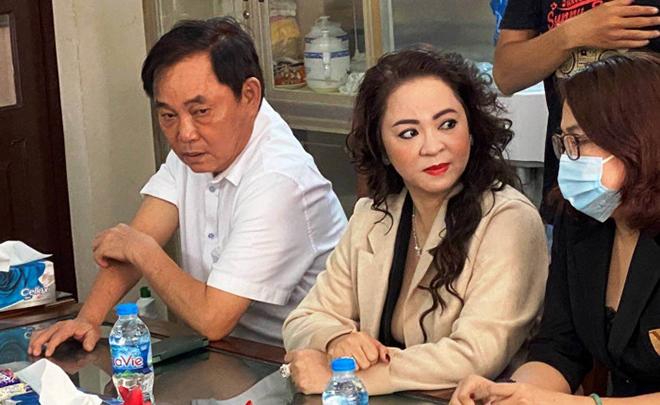 Bà Phương Hằng liên tục xúc phạm giới nghệ sĩ, NSƯT Kim Tử Long lên tiếng nói rõ quan điểm-1