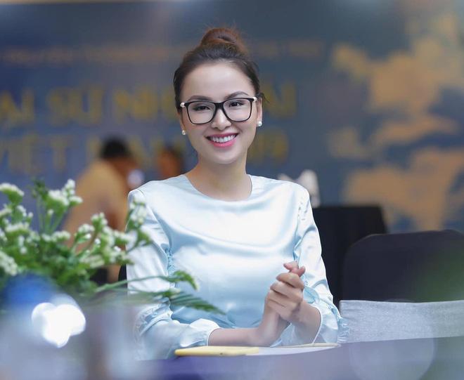 Hoa hậu Diễm Hương: Tôi bị chèn ép thẳng trên sân khấu mà vẫn phải nhịn-4