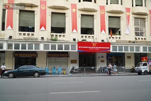 Đôi vợ chồng ở quận Thanh Xuân dương tính SARS-CoV-2: Từng du lịch Đà Nẵng, khám ở BV Việt Xô, chơi golf, dự đại hội cổ đông và rất nhiều cuộc họp-4