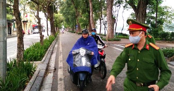 Hà Nội: Xử phạt hơn 3 tỷ đồng những người không đeo khẩu trang-1