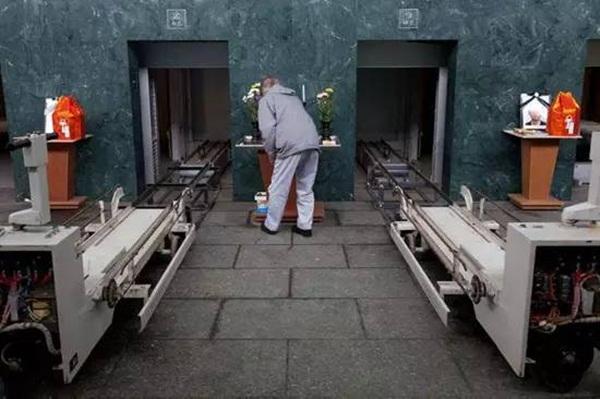 Chuyện ít ai biết trong ngành hỏa táng: Có một loại tử thi không được thiêu, dù người nhà có cho thêm tiền cũng không thực hiện-2