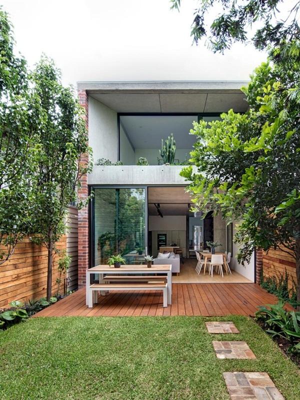Ngôi nhà nhỏ với khu vườn ở sân sau mang đến bầu không khí hòa mình với thiên nhiên, thuận tiện vui chơi thả ga dịp cuối tuần-1