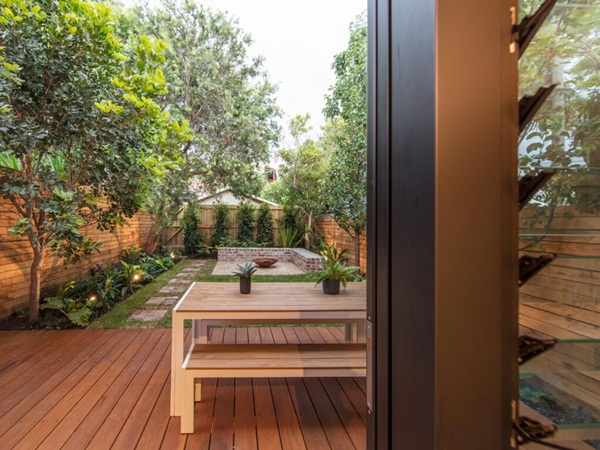 Ngôi nhà nhỏ với khu vườn ở sân sau mang đến bầu không khí hòa mình với thiên nhiên, thuận tiện vui chơi thả ga dịp cuối tuần-9