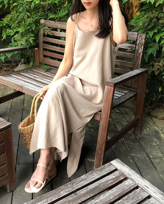 Để diện váy hai dây xịn đẹp level cao nhất, chị em hãy ngắm 12 set đồ này của gái Hàn-5
