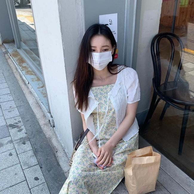 Để diện váy hai dây xịn đẹp level cao nhất, chị em hãy ngắm 12 set đồ này của gái Hàn-8