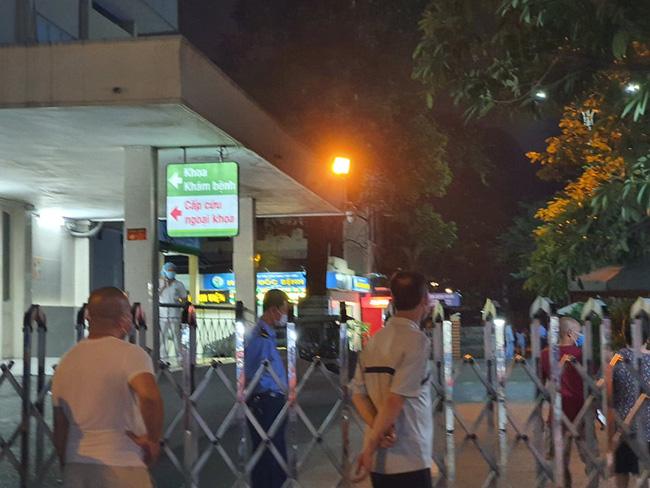 Hà Nội: Người đàn ông rơi từ tầng 5 Bệnh viện Việt Đức tử vong-1
