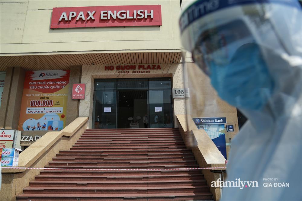 Hà Nội phong tỏa chung cư Hồ Gươm Plaza và tòa CT7 Booyoung nơi có ca nghi mắc COVID-19 liên quan vợ chồng giám đốc ở Thanh Xuân-1